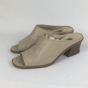 Vintage 90s Mule Block Heel Leather Shoe